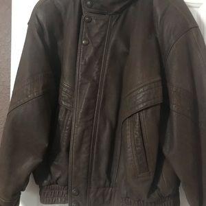 Men's Wilson XL distressed, leather jacket.
